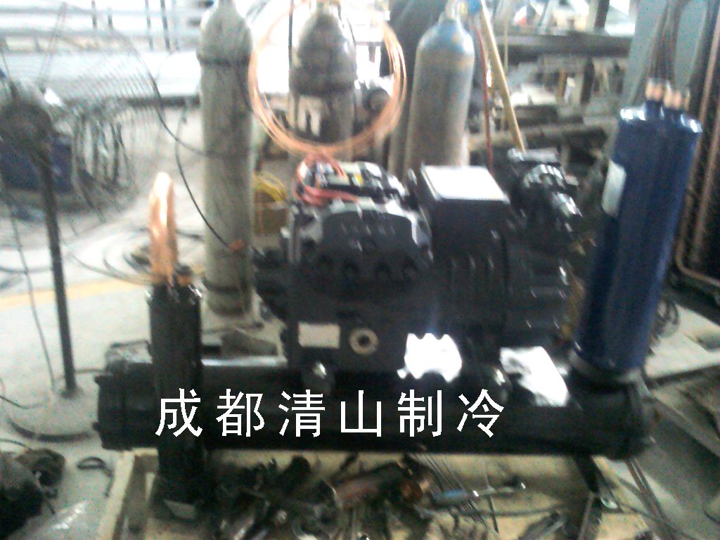 保鲜冷库采用无霜速冻制冷方式,配置名牌压缩机及制冷配件,采用自动